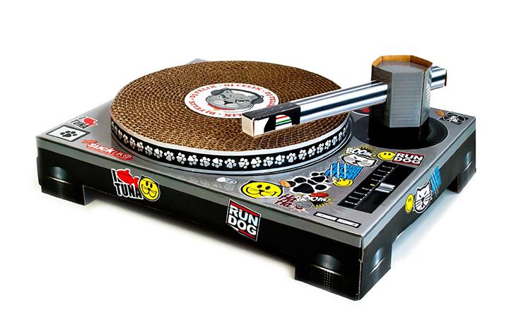 CAT DJ SCRATCH TURNTABLE! - Pee-wee's blog
