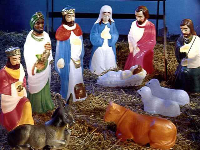 Alternative nativity scenes pee wee 39 s blog for Outside christmas figures