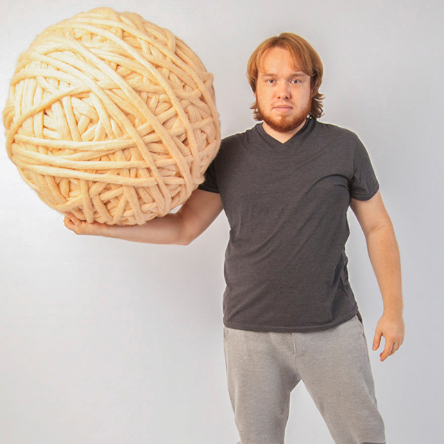Giant Knitting With Arms : Giant balls of yarn for arm knitting pee wee s