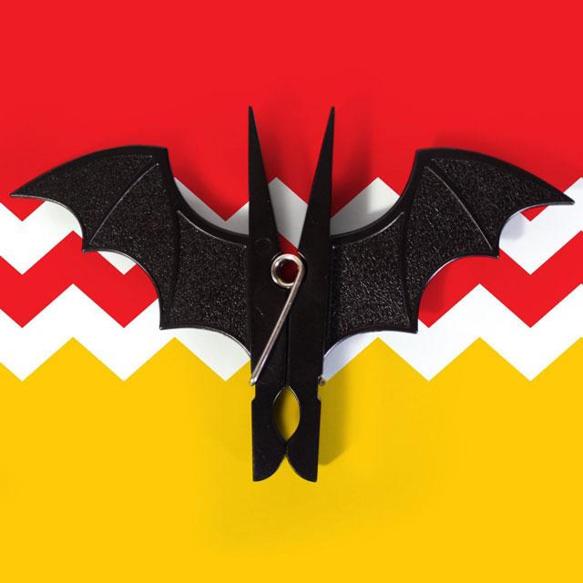 Bat-Clothespins-by-SUCK-UK-2