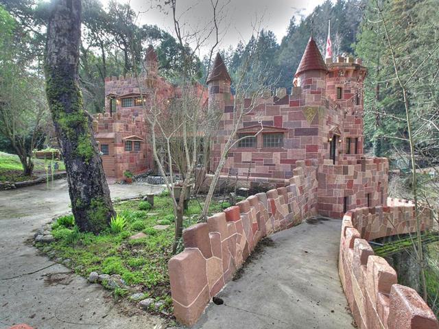 Castle-y-1