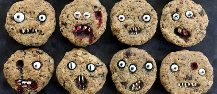 creepy-chocolate-chip-cookies-featured
