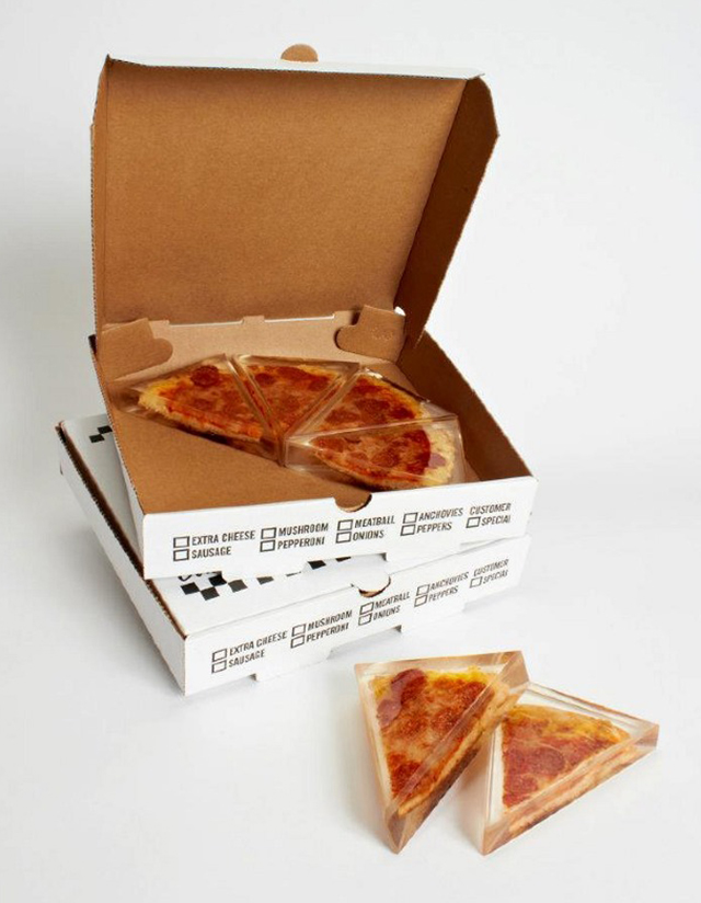 forever-pizza-in-boxes
