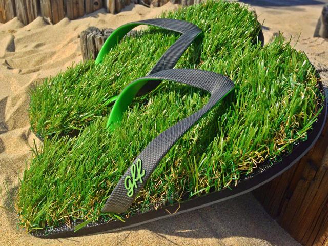 1f5f2edc664 GRASS FLIP FLOPS!! - Pee-wee s blog
