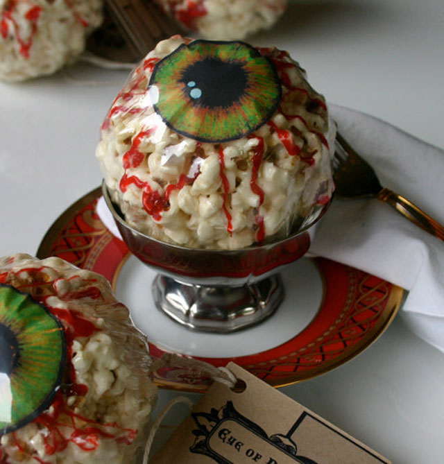 halloween-eyeball-popcorn