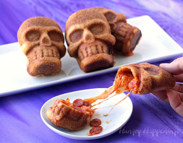halloween-pizza-stuffed-skulls