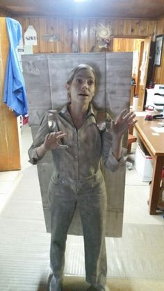 Look There S A Han Solo In Carbonite Inflatable Halloween Costume