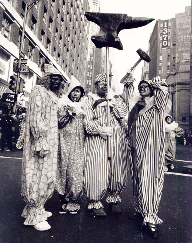 Macys-Thanksgiving-Day-Parade-Clowns-1966