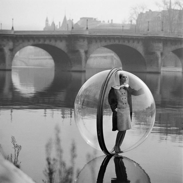 Melvin_Sokolsky-Bubble_Series-River-Seine_thumb