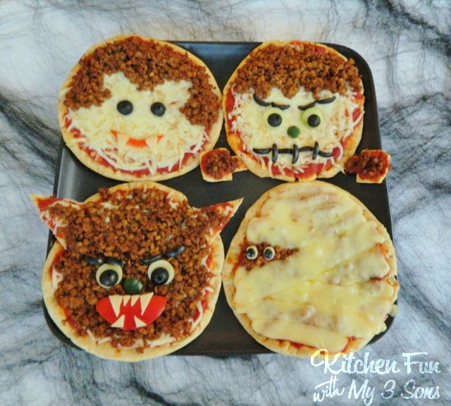 monster-pita-pizzas