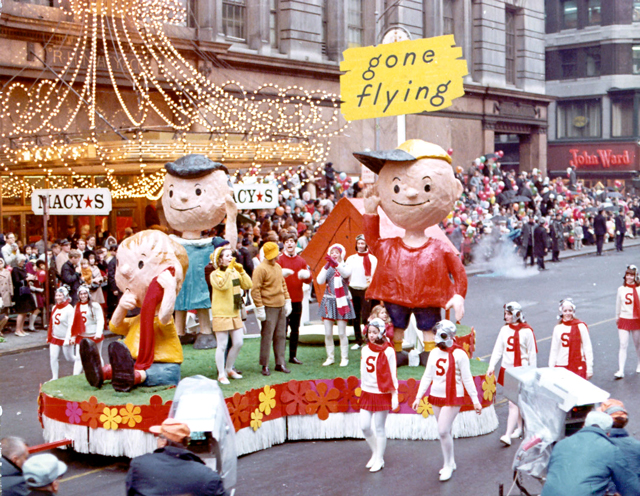 Peanuts-Float-1960s
