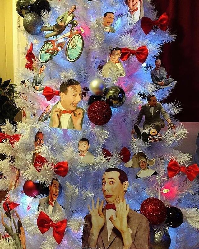 LOOK! A 'Pee-wee Herman Christmas Tree'!!!! - Pee-wee's blog