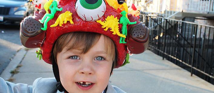 Pee-wee-Herman-bicycle-helmet-featured