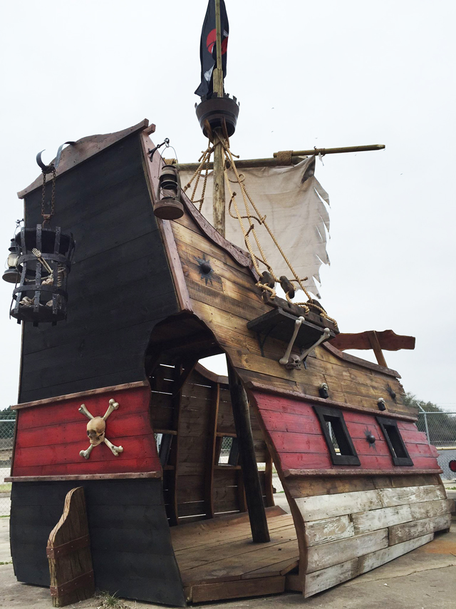 how to build a pirate ship playhouse