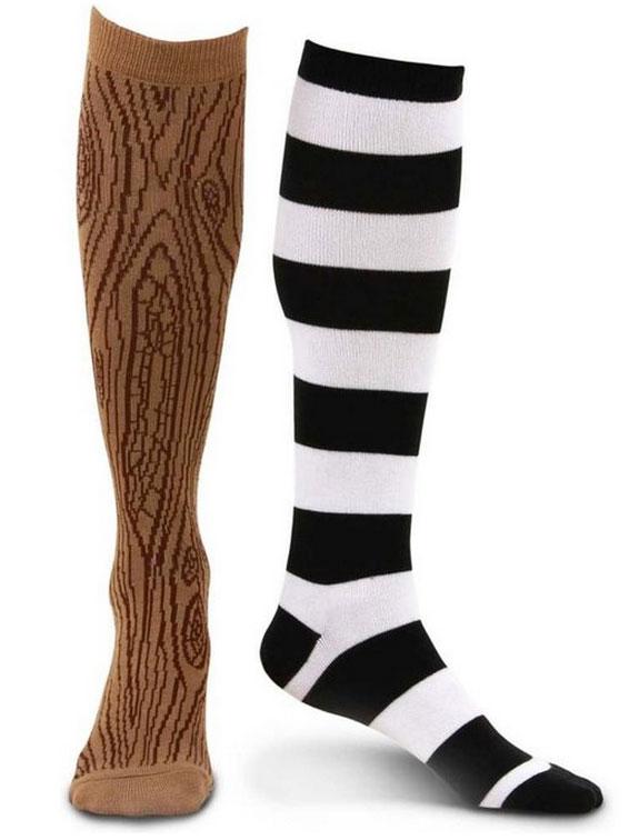 Pirate-peg-leg-mismatched-socks
