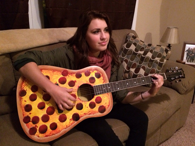 Pizza-Guitar