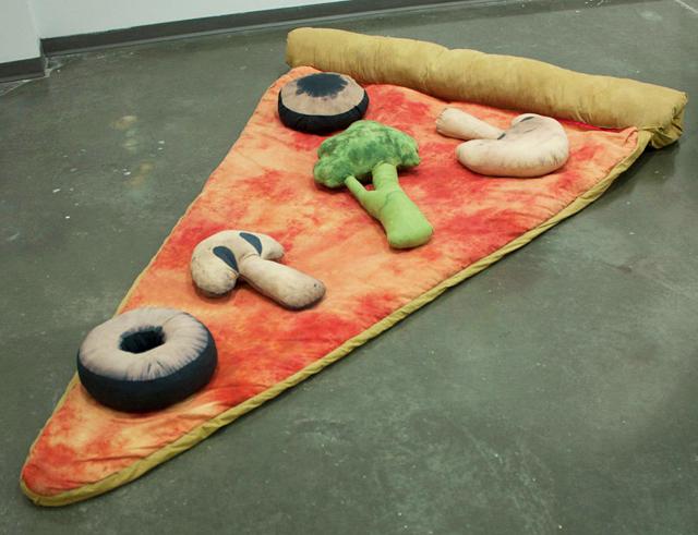 Pizza-sleeping-bag