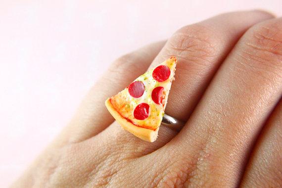 Pizza slice ring