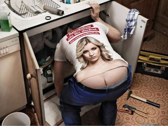 Plumbers-crack-butt-cleavage