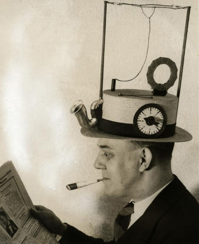 Portable-radio-hat-straw-hat-1931