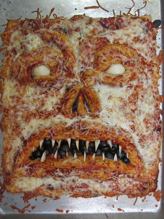 scary-scary-pizza