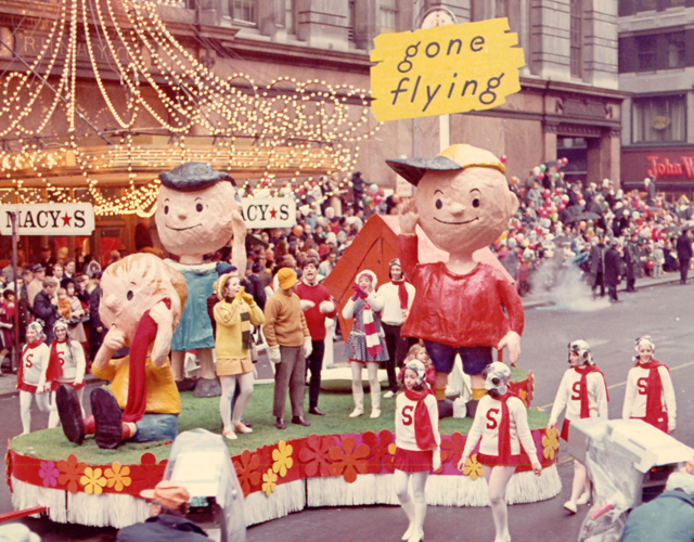 TGIF!! Vintage Macy's Thanksgiving Day Parade Found Footage ...