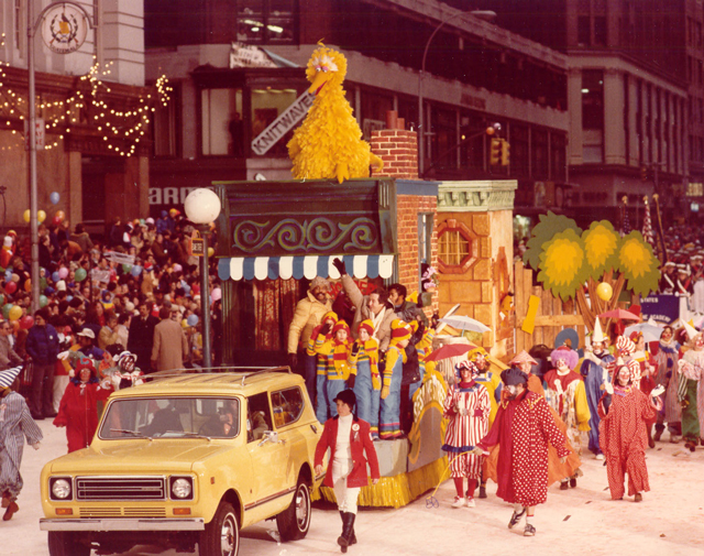 Sesame-Street-float-1978-–-1st-ever-Sesame-Street-float
