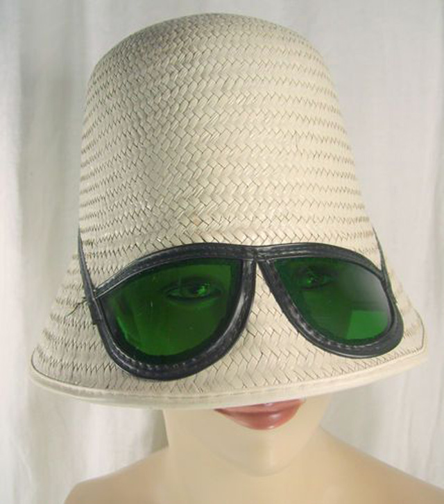 Sun-bucket-hat-with-sunglasses-vintage