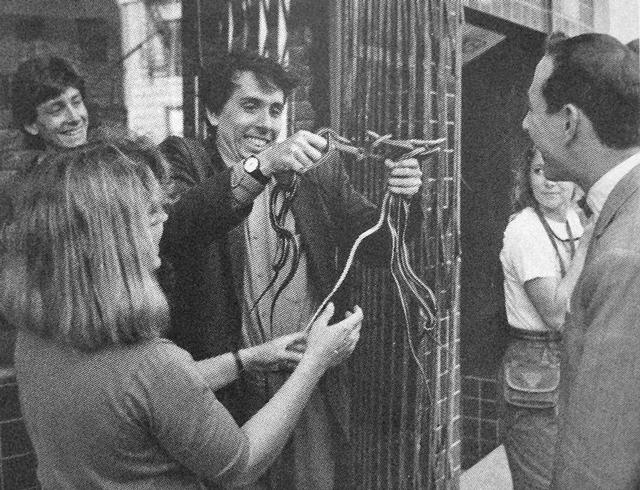 Tim-Burton-Pee-wee-Herman-Dottie-snakes