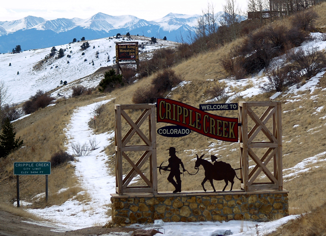 Welcome_to_Cripple_Creek_Colorado
