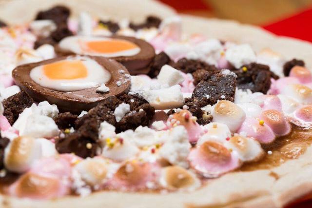 creme-egg-pizza-close-up-2
