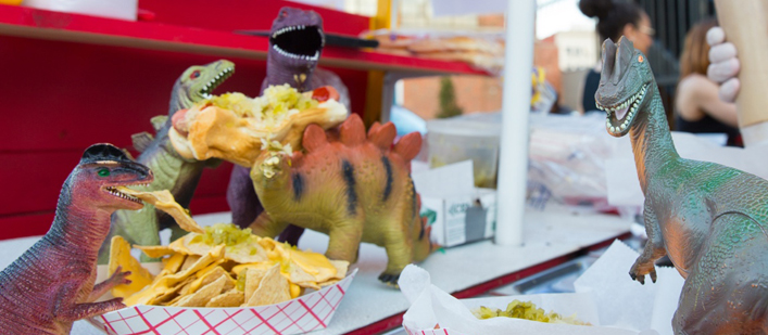 dinos-hot-dogs-featured