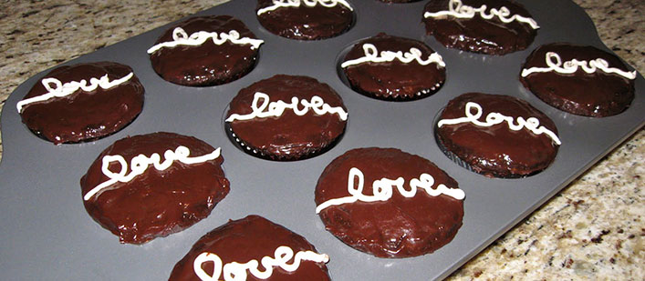 faux-stess-chocolate-cupcakes