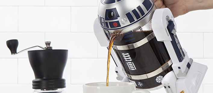 itns_r2-d2_coffee_press_pour-featured
