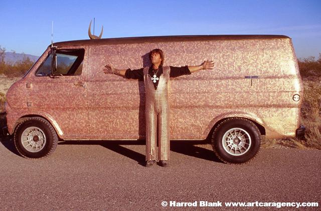 penny-van-art-car-steve-baker-art-car-agency-photo-harrod-blank-main-pv2