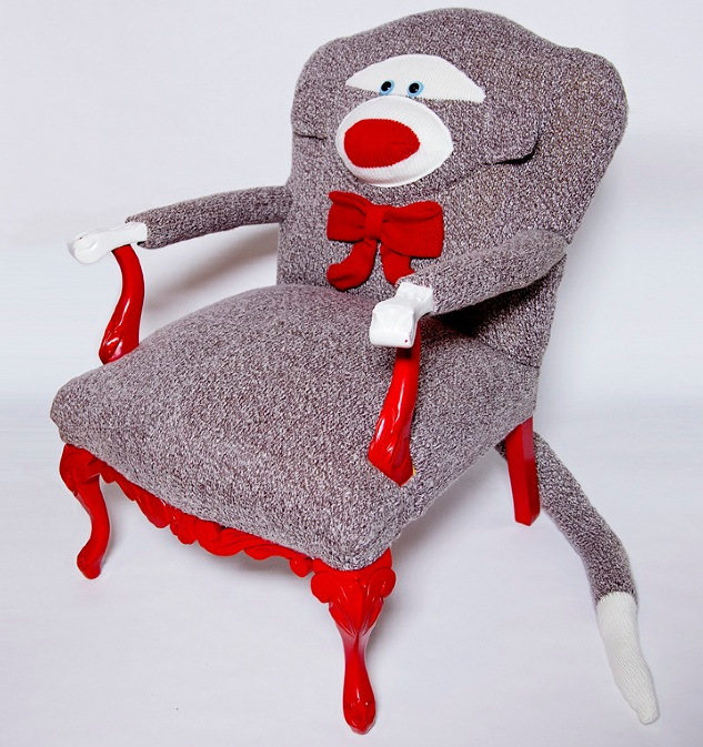 sock_monkey_chair_front2