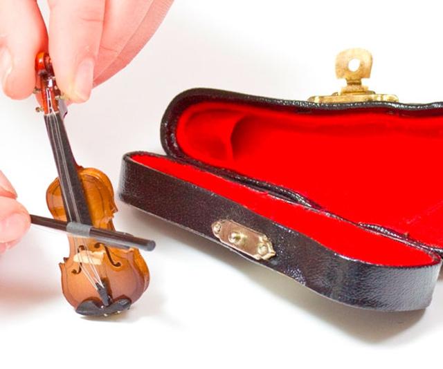 worlds-smallest-violin